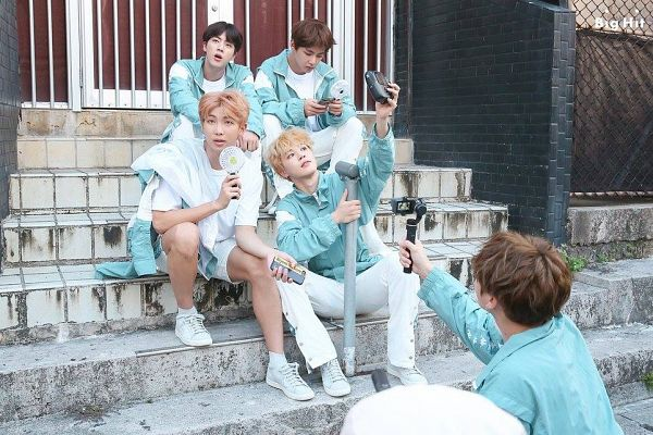Tags: K-Pop, BTS, Rap Monster, Jungkook, V (Kim Taehyung), Park Jimin, Jin, Electric Fan, Holding Object, Looking at Phone, Sitting On Stairs, Fan