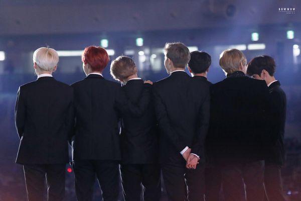 Tags: K-Pop, BTS, Park Jimin, J-Hope, Suga, Jungkook, Jin, V (Kim Taehyung), Rap Monster, Arms Behind Back, Black Jacket, Hand On Shoulder