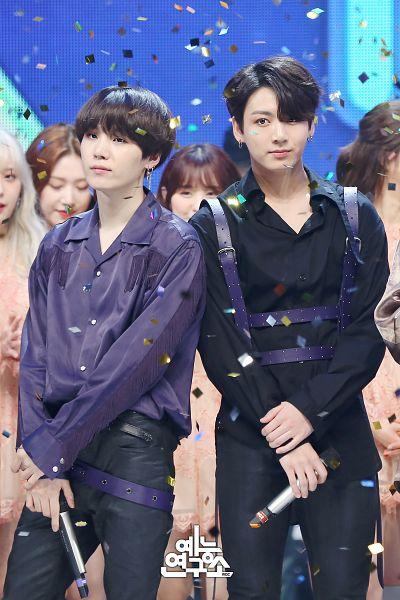 Tags: Television Show, K-Pop, BTS, Jungkook, Suga, Black Pants, Blue Shirt, Group, Korean Text, Black Outfit, Confetti, Collar (Clothes)