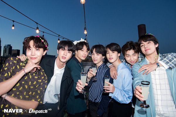 Tags: K-Pop, BTS, Park Jimin, J-Hope, Suga, Jungkook, Jin, V (Kim Taehyung), Rap Monster, Hair Ornament, Black Jacket, Night