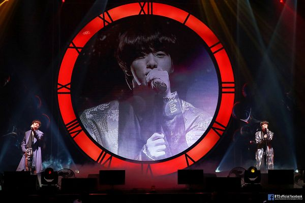 Tags: K-Pop, BTS, Even If I Die It's You, V (Kim Taehyung), Jin, Electric Fan, Black Pants, Text: URL, English Text, Singing, Duo, Stage