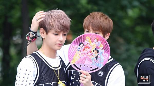 Tags: K-Pop, BTS, V (Kim Taehyung), Jin, Vest, Necklace, Fan, Bracelet, Two Males, Duo, HD Wallpaper, Wallpaper