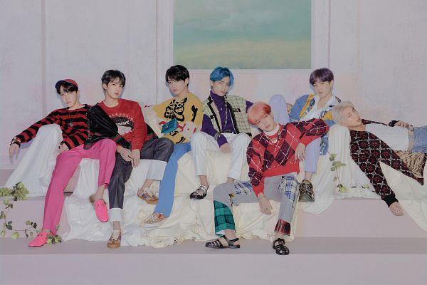 Tags: K-Pop, BTS, J-Hope, Suga, Jungkook, Jin, V (Kim Taehyung), Rap Monster, Park Jimin, Striped, Group, Couch