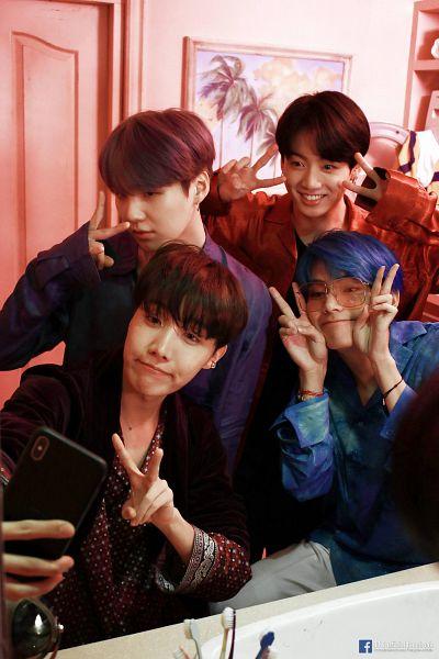 Tags: K-Pop, BTS, J-Hope, Suga, Jungkook, V (Kim Taehyung), Blue Shirt, Purple Shirt, Taking Selca, Grin, Bathroom, Smartphone