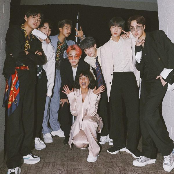 Tags: K-Pop, BTS, J-Hope, Suga, Halsey, Jungkook, Jin, V (Kim Taehyung), Rap Monster, Park Jimin, Full Group, Pink Hair