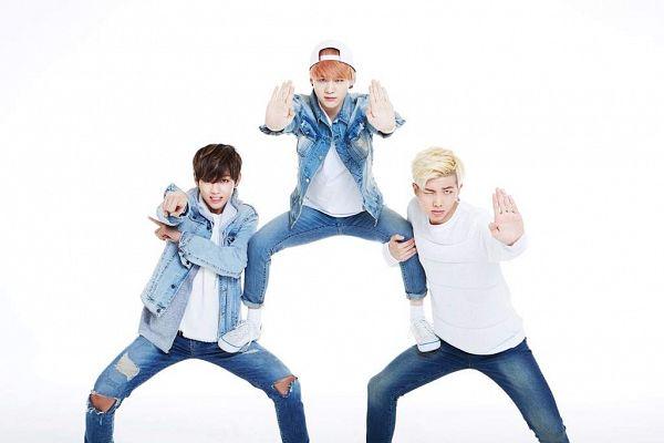 Tags: K-Pop, BTS, Rap Monster, V (Kim Taehyung), Suga, Red Hair, White Headwear, Serious, Light Background, White Background, Ripped Pants, 2015 BTS Festa