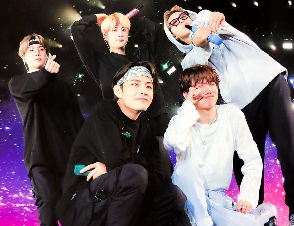 Tags: K-Pop, BTS, Mikrokosmos, Rap Monster, V (Kim Taehyung), J-Hope, Suga, Jin, Bandana, Necklace, Hoodie, Sunglasses