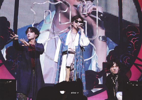 Tags: K-Pop, BTS, Ddaeng, J-Hope, Suga, Rap Monster, Crouching, Korean Clothes, Sunglasses, Robe, Belt, Hanbok