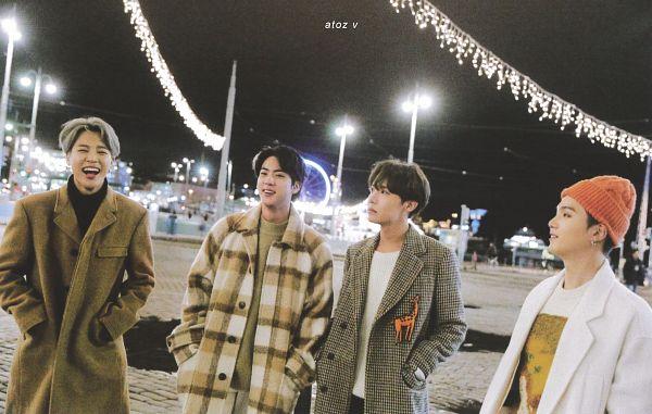 Tags: K-Pop, BTS, Park Jimin, J-Hope, Suga, Jin, Orange Headwear, Night, Gray Hair, Quartet, Checkered Print, Collar (Clothes)