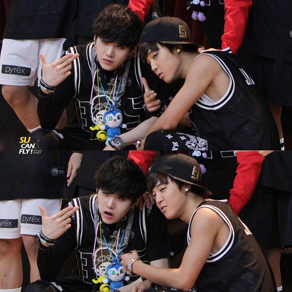 Tags: K-Pop, BTS, Park Jimin, Suga, Black Shirt, Duo, Ring, Bandana, Short Sleeves, Hat, Two Males