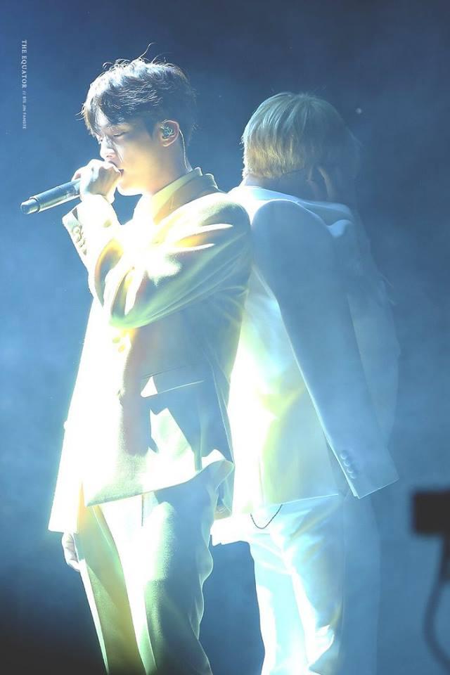 Tags: K-Pop, BTS, Jin, Park Jimin, Back To Back, Stage, Yellow Pants, White Jacket, Smoke, Singing, White Pants, White Outerwear