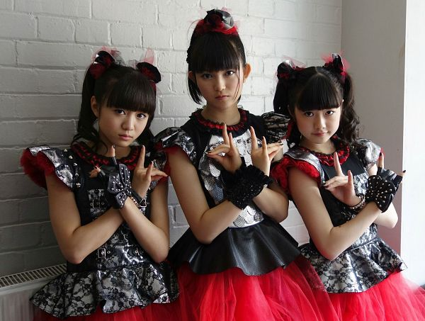 Tags: J-Pop, Babymetal, Yuimetal, Moametal, Su-metal, Twin Tails, Three Girls, Blunt Bangs, Gloves, Nail Polish, Ponytail, Bracelet