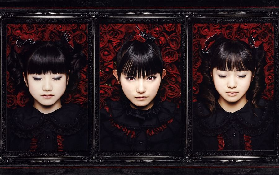 Tags: J-Pop, Babymetal, Moametal, Su-metal, Yuimetal, Eyes Closed, Trio, Wavy Hair, Rose (flower), Matching Outfit, Twin Tails, Black Outfit