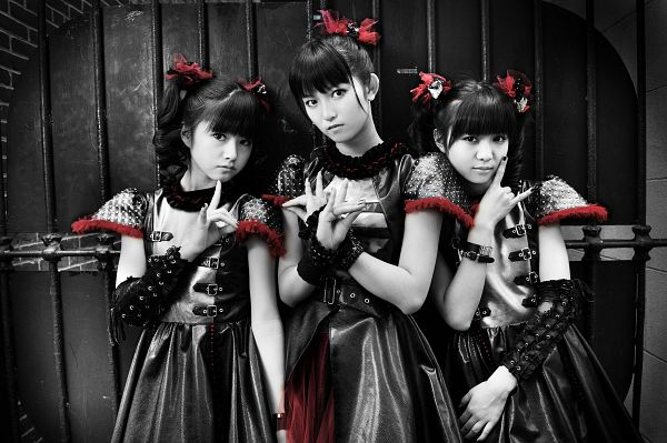 Tags: J-Pop, Babymetal, Moametal, Su-metal, Yuimetal, Nail Polish, Trio, Twin Tails, Matching Outfit, Gloves, Full Group, Wavy Hair
