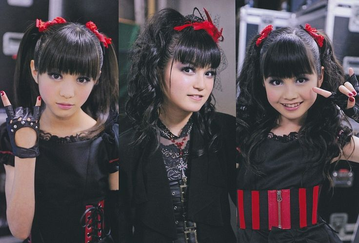 Tags: J-Pop, Babymetal, Moametal, Su-metal, Yuimetal, Ponytail, Necklace, Fingerless Gloves, Trio, Twin Tails, Black Dress, Gloves