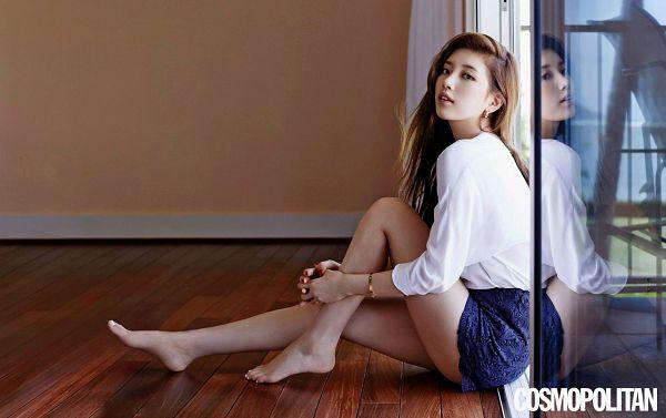 Tags: K-Pop, Miss A, Bae Suzy, Reflection, Leg Hug, Self Hug, Hug, Sitting On Ground, Wallpaper, Cosmopolitan, Magazine Scan, Cartier