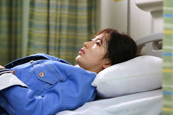 Tags: K-Drama, K-Pop, Miss A, Bae Suzy, Side View, On Bed, Laying Down, Bed, Jacket, Serious, Blue Outerwear, Bangs