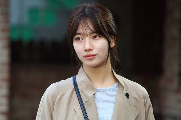 Tags: K-Drama, K-Pop, Miss A, Bae Suzy, Standing, Bag, Coat, Bangs, Uncontrollably Fond