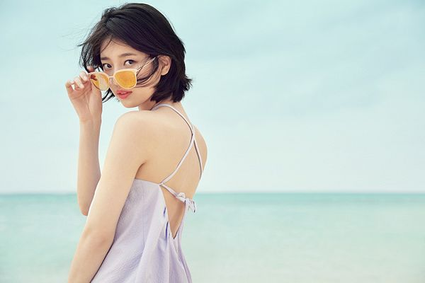 Tags: K-Pop, Miss A, Bae Suzy, Glasses, Sunglasses, Standing
