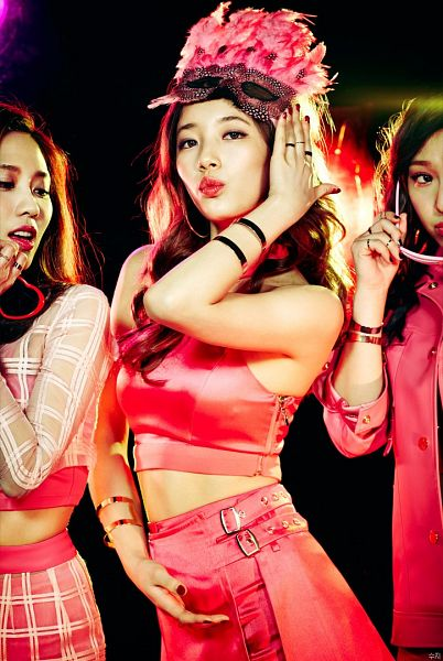 Tags: K-Pop, Miss A, Bae Suzy, Pink Skirt, Headdress, Feather, Ring, Nail Polish, Bracelet, Mask, Make Up, Pouting