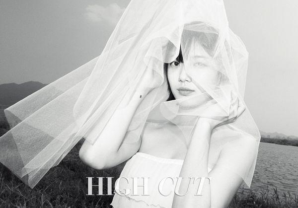 Tags: K-Pop, Miss A, Bae Suzy, Mole, Sea, Monochrome, Veil, Short Hair, Wind, Water, Standing, Facial Mark