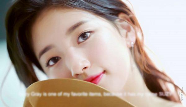 Tags: K-Pop, Miss A, Bae Suzy, Gray Eyes, Contact Lenses, Head Tilt, Hat, Hat Off, Clalen, Screenshot