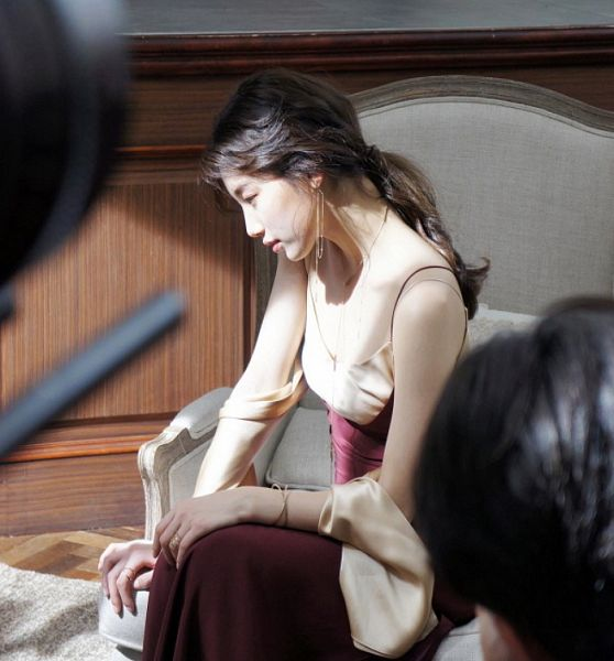 Tags: K-Pop, Miss A, Bae Suzy, Red Dress, Sleeveless, Looking Down, Armchair, Bracelet, Red Outfit, Ring, Chair, Side View