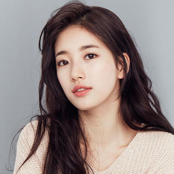 Tags: K-Pop, Miss A, Bae Suzy, Serious, Gray Background, Contact Lenses, Clalen