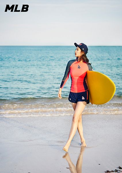 Tags: K-Pop, Miss A, Bae Suzy, Water, Red Shirt, Shorts, Blue Shorts, Black Eyes, Sea, Sand, Beach, Walking
