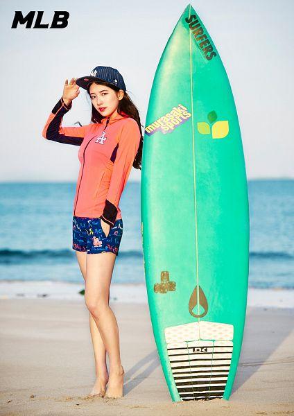 Tags: K-Pop, Miss A, Bae Suzy, Shorts, Water, Red Shirt, Sea, Blue Shorts, Black Eyes, Beach, Sand, Hat