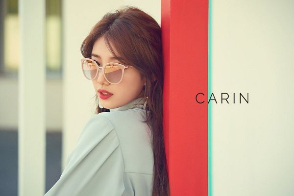 Tags: JYP Entertainment, K-Pop, Bae Suzy, Glasses, Gray Shirt, Sunglasses, Red Lips, Carin