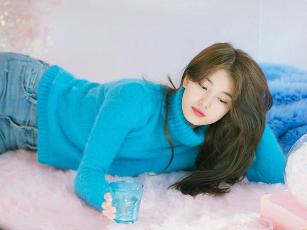 Tags: JYP Entertainment, K-Pop, Bae Suzy, Collar (Clothes), Arm Support, Jeans, Pink Background, Glass (Cup), Sweater, Blue Shirt, Turtleneck, Blue Pants