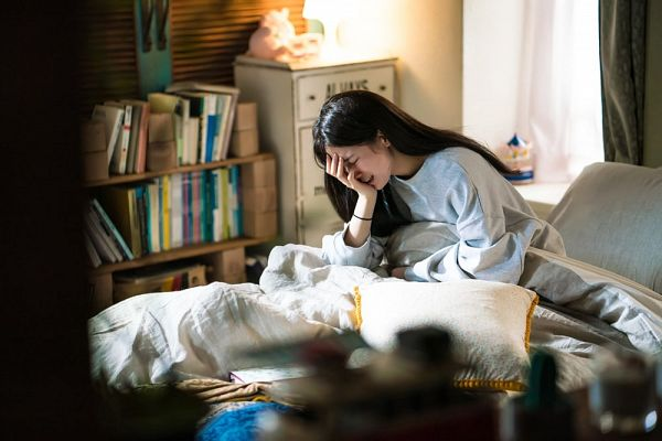 Tags: JYP Entertainment, K-Drama, K-Pop, Bae Suzy, Pillow, On Bed, Bed, Crying, Blue Shirt, Eyes Closed, Book, Bracelet