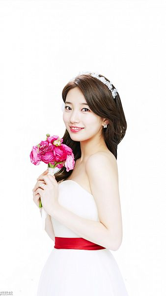 Tags: K-Pop, Bae Suzy, Grin, Bouquet, Flower, Ring, White Outfit, White Dress, Light Background, Wedding Dress, Rose (flower), White Background