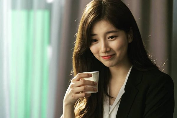Tags: K-Pop, K-Drama, Bae Suzy, Black Jacket, Cup, Looking Down, Glass (Cup), Black Outerwear, Vagabond