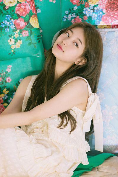 Tags: K-Pop, Bae Suzy, White Dress, Sleeveless Dress, Looking Away, Floral Background, Sleeveless, Flower, Bare Shoulders, White Outfit, Suzy 2018 Season's Greetings, Scan