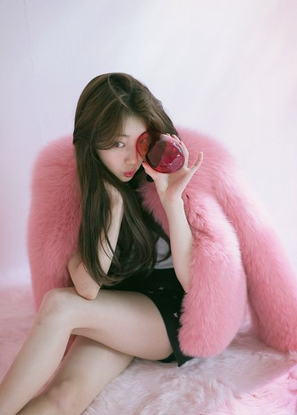 Tags: K-Pop, Bae Suzy, Fur Coat, Pink Outerwear, Coat, Sitting On Ground, Black Eyes, Fur, Skirt, Cup, Fur Trim, Black Skirt