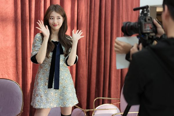 Tags: K-Pop, Bae Suzy, Curtain, Short Sleeves, Facial Mark, Mole, Black Eyes, Blue Bow, Blue Dress, Short Dress, Floral Dress, Blue Outfit