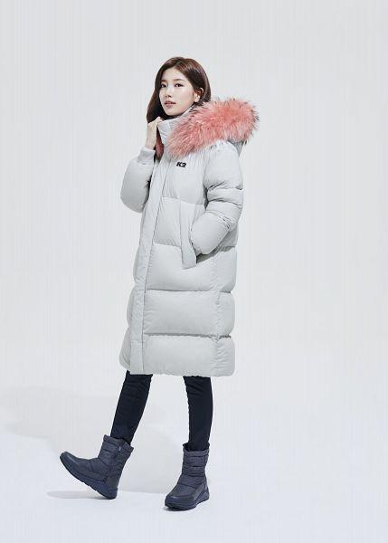 Tags: K-Pop, Bae Suzy, Blue Footwear, White Background, Coat, Fur, Fur Trim, Black Pants, White Outerwear, Light Background, K2