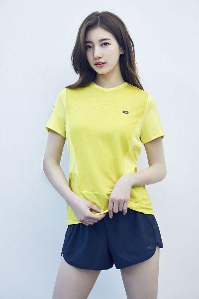 Tags: K-Pop, Bae Suzy, Blue Shorts, Light Background, Yellow Shirt, White Background, Shorts, Black Eyes, K2