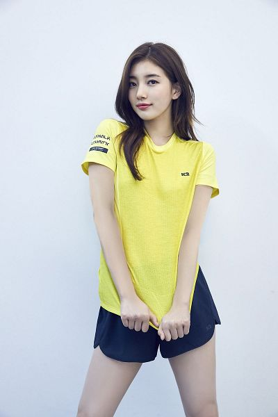 Tags: K-Pop, Bae Suzy, White Background, Shorts, Black Eyes, Blue Shorts, Light Background, Yellow Shirt, K2