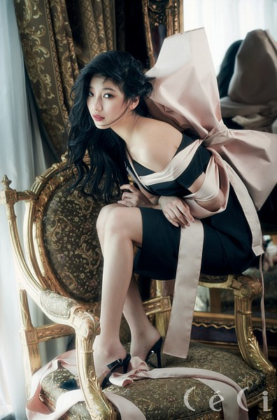 Tags: K-Pop, Miss A, Bae Suzy, Bow, Sitting On Chair, Pink Bow, Chair, Magazine Scan, CeCi