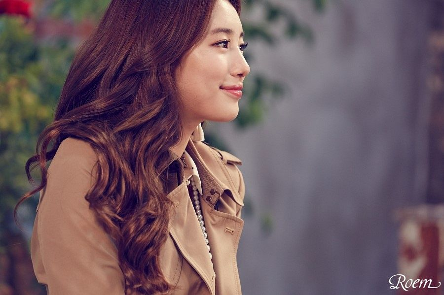 Tags: K-Pop, Miss A, Bae Suzy, Brown Outerwear, Side View, Coat, Wavy Hair, Roem