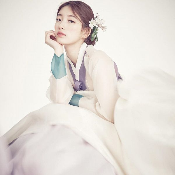 Tags: K-Pop, Miss A, Bae Suzy, Traditional Clothes, Korean Clothes, Flower, Plant, Hanbok, Magazine Scan, 1st Look