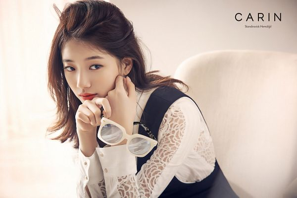 Tags: K-Pop, Miss A, Bae Suzy, Glasses, Glasses Off, Sunglasses, Looking Away, Carin