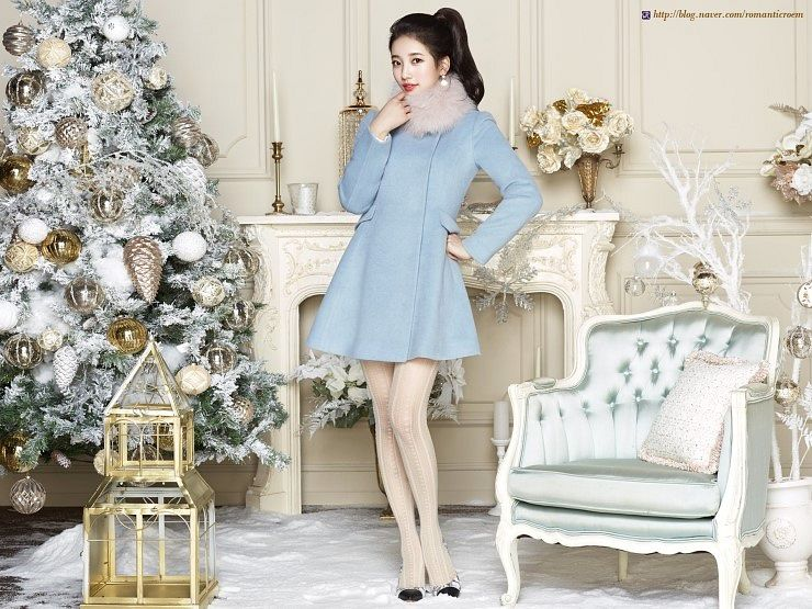 Tags: K-Pop, Miss A, Bae Suzy, Armchair, Pillow, Christmas Tree, Fur, Coat, Tree, Fur Trim, Chair, Christmas