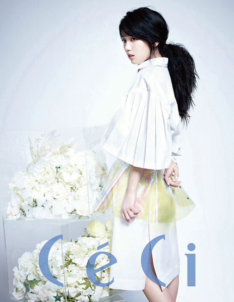 Tags: K-Pop, Miss A, Bae Suzy, Gray Background, White Outerwear, Ponytail, Bare Legs, Skirt, Text: Magazine Name, Bouquet, Flower, White Jacket