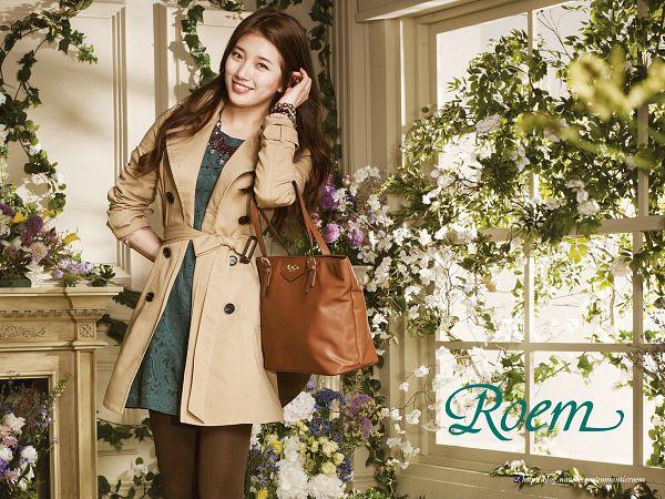 Tags: K-Pop, Miss A, Bae Suzy, Coat, White Flower, Fireplace, Belt, Bag, Window, Brown Legwear, Bracelet, Brown Outerwear