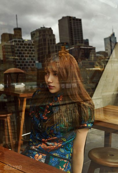 Tags: K-Pop, Miss A, Bae Suzy, Chinese Clothes, Chair, Reflection, Qipao, Table, Traditional Clothes, Stool, Floral Print, Sitting