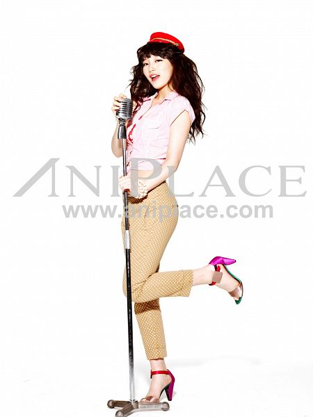 Tags: K-Pop, Miss A, Bae Suzy, Make Up, Leg Up, Standing On One Leg, Light Background, Music Stand, White Background, Aniplace, Android/iPhone Wallpaper